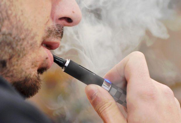 Fumer la cigarette électronique