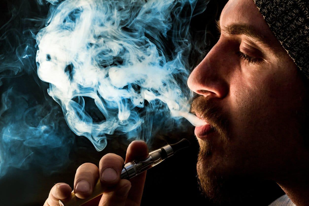 Prendre du plaisir avec la cigarette électronique